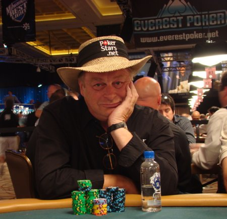 Anthony Holden with chips, Day 2 of WSOP 2008
